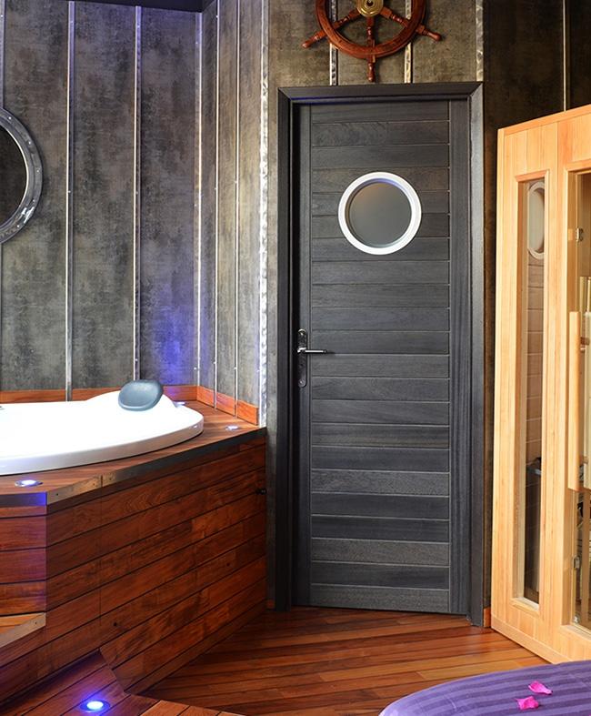 porte battante calypso 1 hublot bois exotique massif gris graphite paul ceyrac e couliss. Black Bedroom Furniture Sets. Home Design Ideas