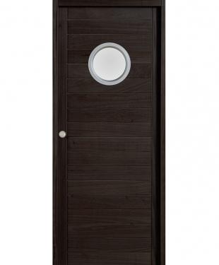 Porte battante calypso 1 hublot bois exotique massif gris for Porte interieure coulissante avec hublot